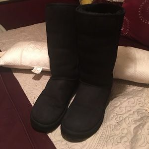 💯 very good condition black UGG boots